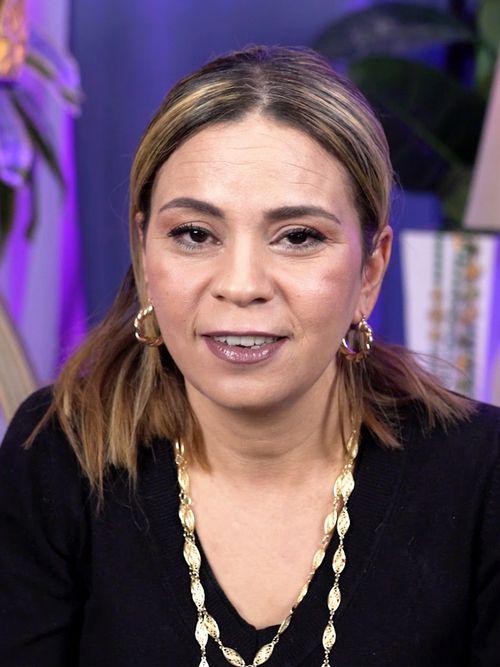 Julia : Médium, Tarologue