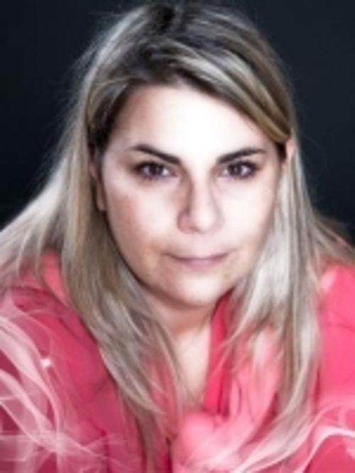 Thelma : Voyant, Médium, Tarologue, Numérologue, Astrologue