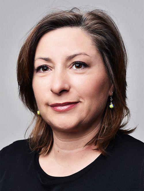 Vivianne : Voyant, Tarologue