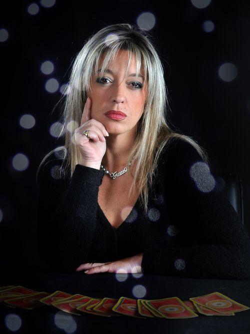 Alexane : Tarologue, Numérologue