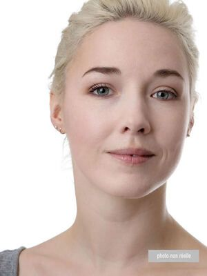 Adela : Voyant, Tarologue, Astrologue