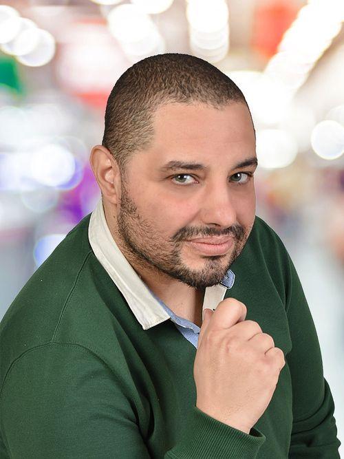 Carlos : Médium, Tarologue